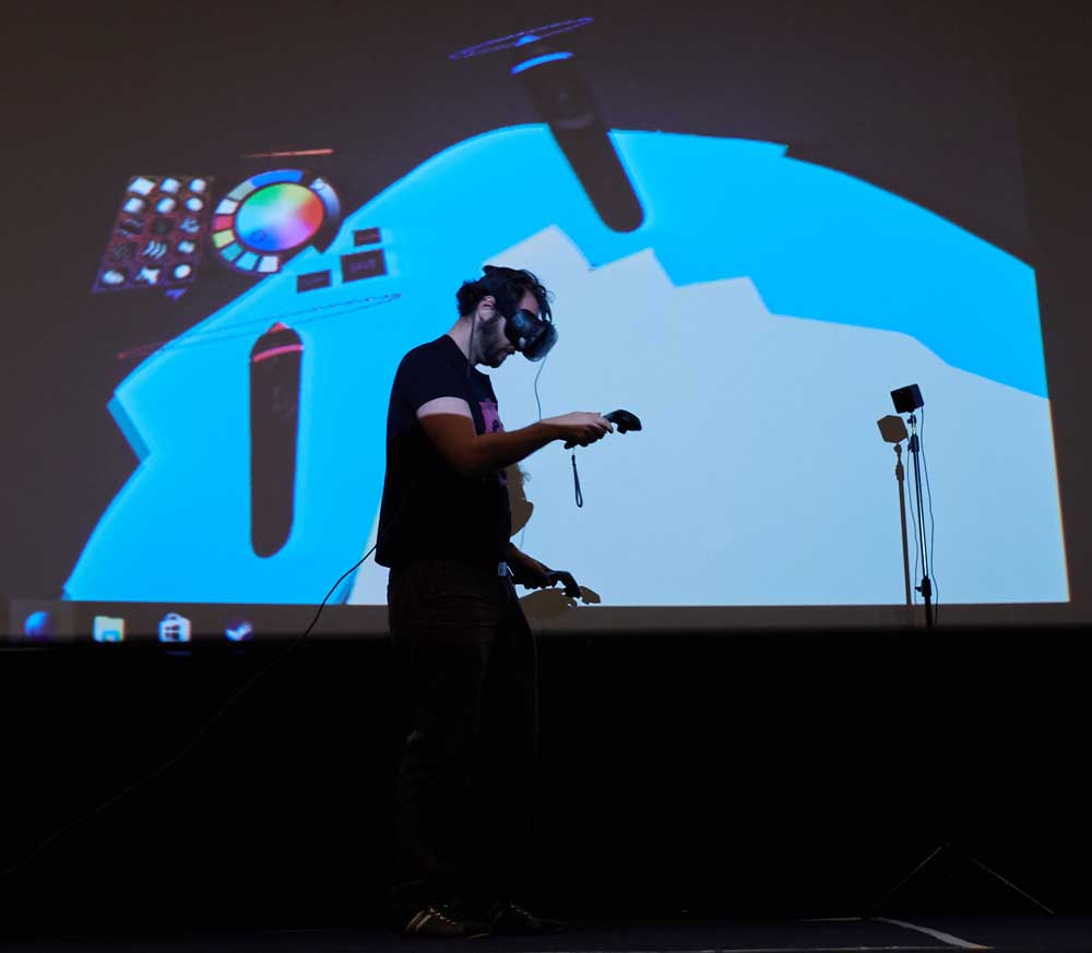 Virtual Reality demo by Mozilla on the stage of Frontend united